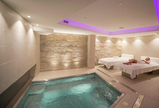 Best Western Plus Hotel Cannes Riviera & Spa : spa pool