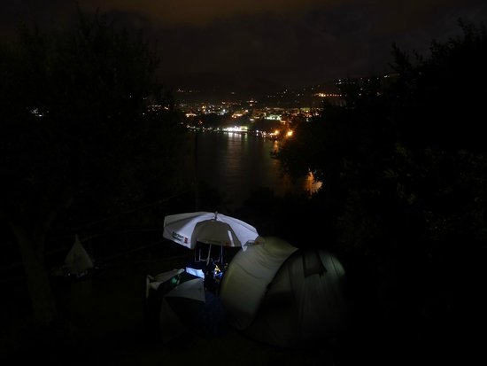 Villaggio Santa Fortunata Campogaio: tent at night