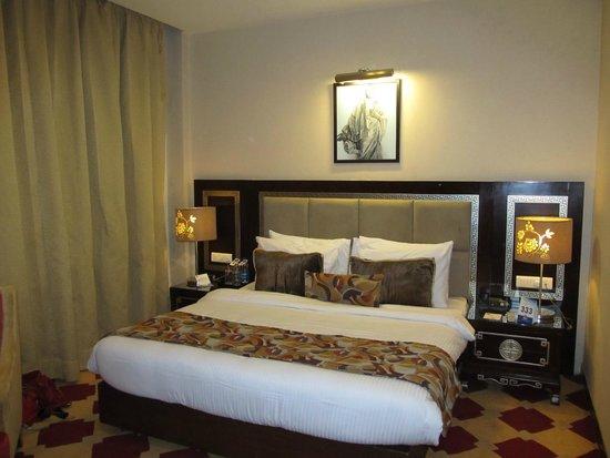 HK Clarks Inn: bed room