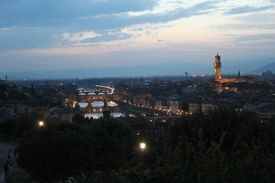 Piazzale Michelangelo: View of Ponte Vecchio