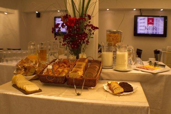 Ker Urquiza Hotel & Suites: Desayuno continental