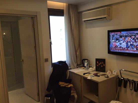 Ottoman Hotel Park: Small room, but nice