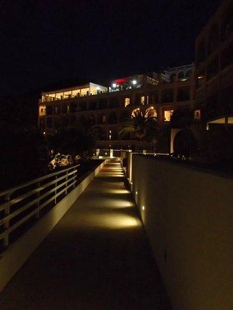 MarBella Corfu Hotel : night