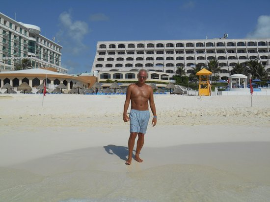 Golden Parnassus All Inclusive Resort & Spa Cancun: me on the beach