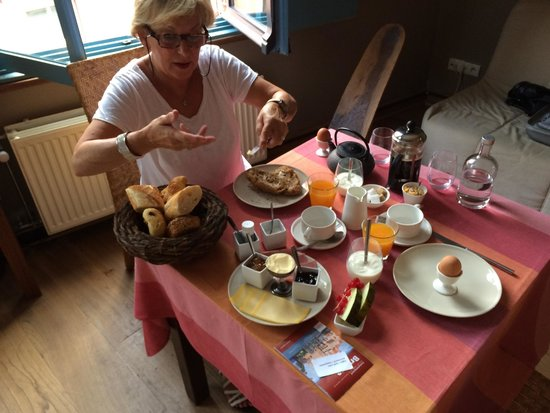 Calis Bed & Breakfast: Breakfast op de Afrikakamer
