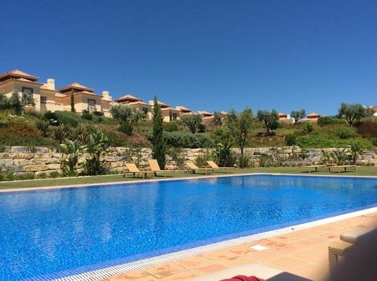 Monte Rei Golf & Country Club : view of linked villas from the comunal pool