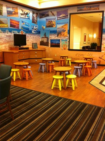 Residence Inn San Diego Mission Valley: Kids Dining Area