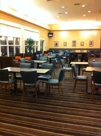 Residence Inn San Diego Mission Valley : Dining Area