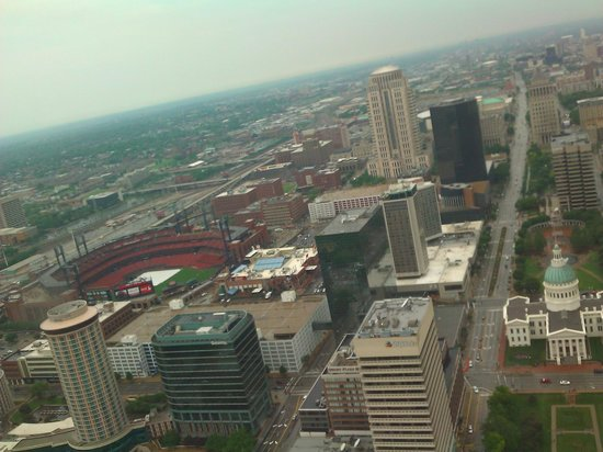 Gateway Arch: view from top