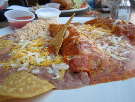 Rubio's family mexican restaurant: Enchiladas