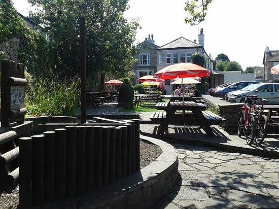 Hest Bank Inn: the garden