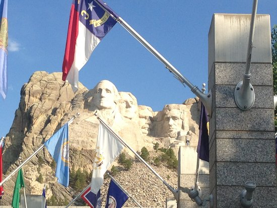 Mount Rushmore National Memorial : Avenue of flags was really neat too!