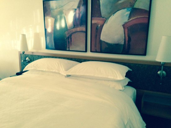 Sheraton Montreal Airport Hotel : Comfy Bed