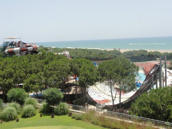 Voyage Belek Golf & Spa : вид с балкона