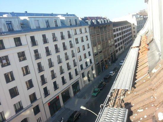 Derag Livinghotel Berlin Mitte: вид из номера