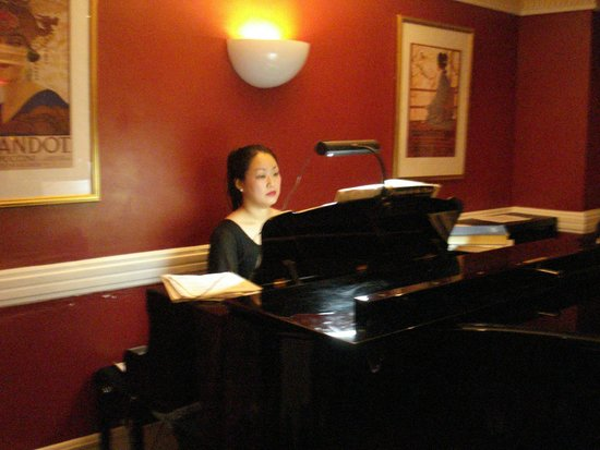 Bel Canto Restaurant : beautiful piano