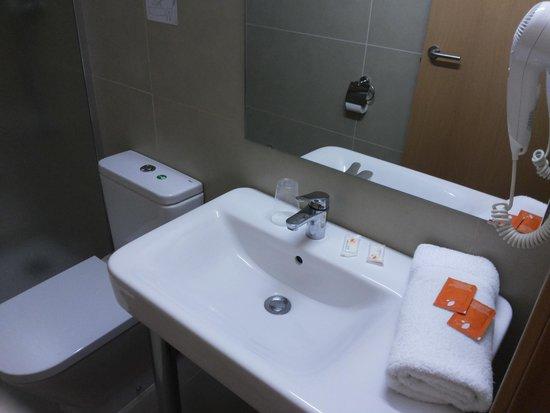 Hotel Mediterrani Express: Сантехника отеля