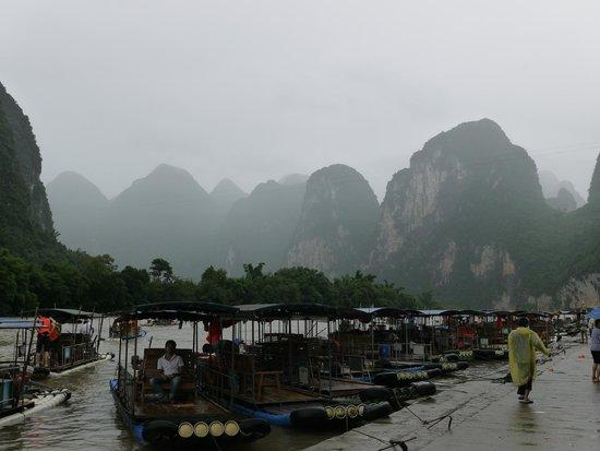 Lijiang Folk Customs Garden: Путешествие по реке Ли