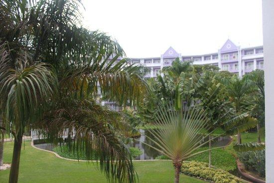 ClubHotel Riu Ocho Rios: Hotel & Grounds