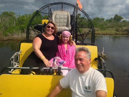 Speedy's Airboat Tours: Capitain 's Fred nous prends en photo