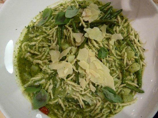 La Voglia : Pasta med grøn pesto