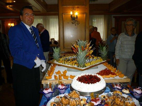 Park Hotel & Club Diamant: Marcello e il fantastico Buffet di frutta