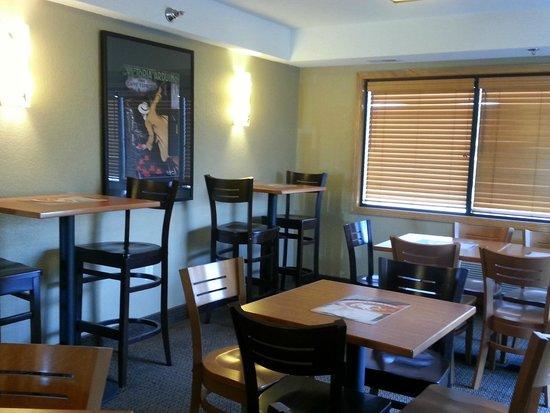 Baymont Inn & Suites Owatonna: Pub 41