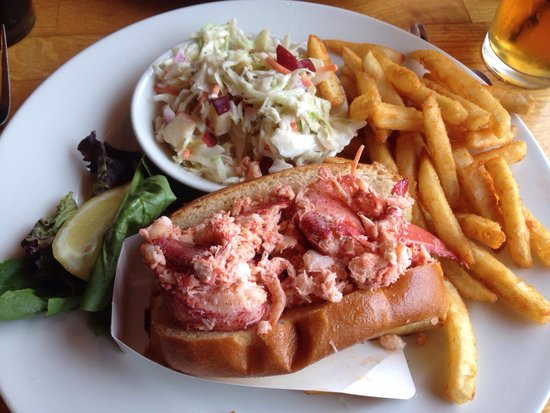 Lobsta Land: Almost a whole lobster in a bun!