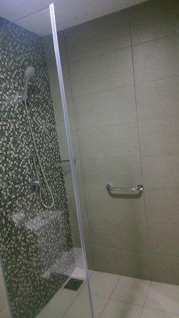 Sky Hotel Bukit Bintang: so clean bathroom