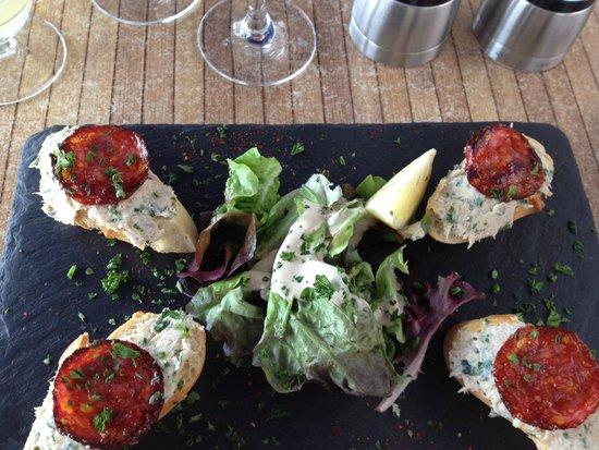 Bodega Chez Gilles: rillettes de thon et chorizzo grillé