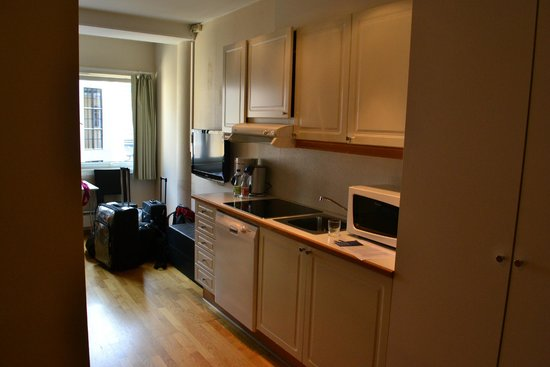 InCity Hotel and Apartments: the kitchen