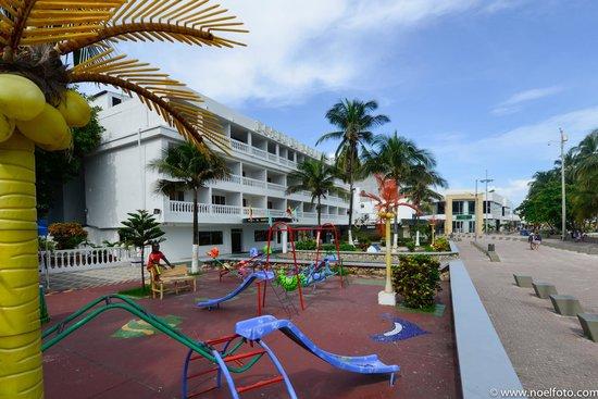 Hotel El Dorado: Vista frontal Hotel