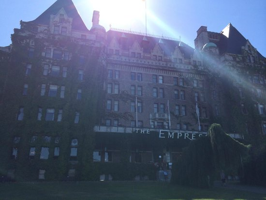 The Fairmont Empress: Arrival at the Empress