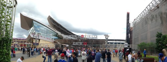 Target Field: Panorama of walking in through outfield entrance.