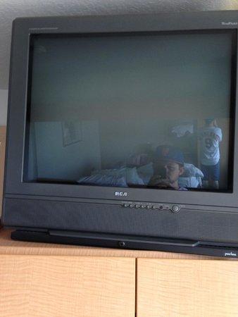 Microtel Inn & Suites by Wyndham Culpeper: TV