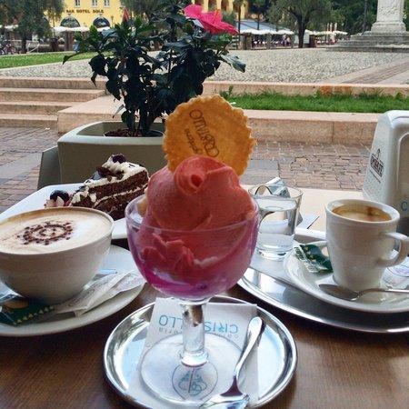 Cristallo Caffe Gelateria : Gelato