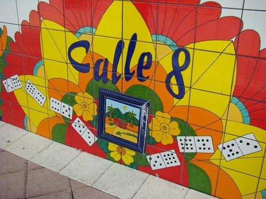 Little Havana : Murales en la Calle 8