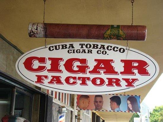 Negocios de Tabaco en Little Havana