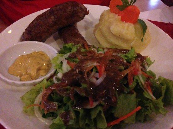 La Cabane La Cuisine des Filles : homemade sausage with mash