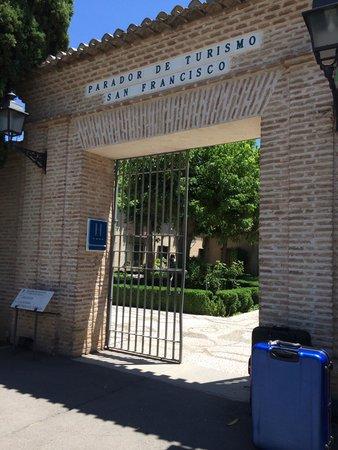 Parador de Granada: パラドール入り口