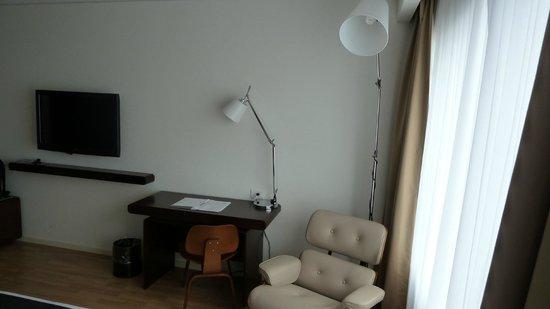 Dazzler Lima: escritorio habitación