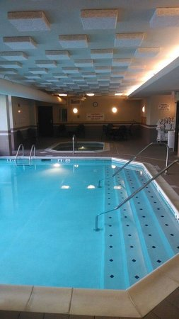Drury Inn & Suites Columbus Dublin: Indoor pool and hot tub