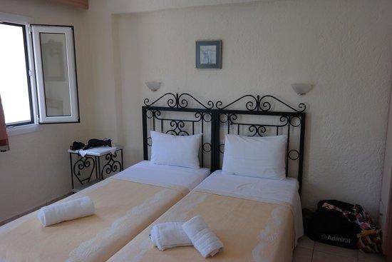 Ammoudara Beach Hotel: bed