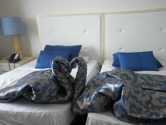 Habana Riviera: room