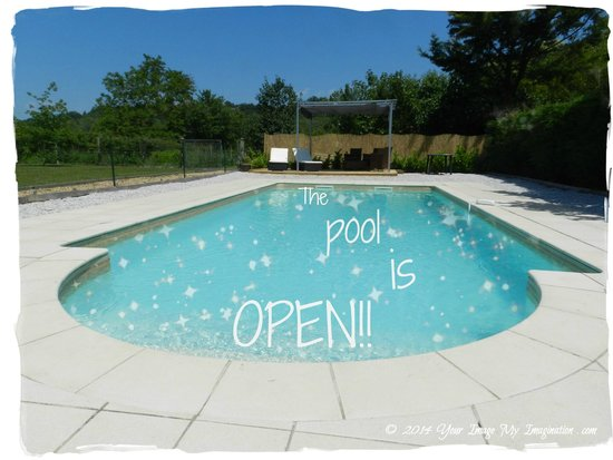 le Grand Chemin De La Vie : The Pool is Open