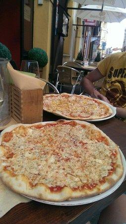 Pizzeria Paganini: Pizza's!