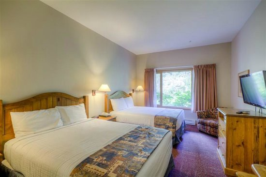 Nancy Greene's Cahilty Hotel & Suites: Lodge Room