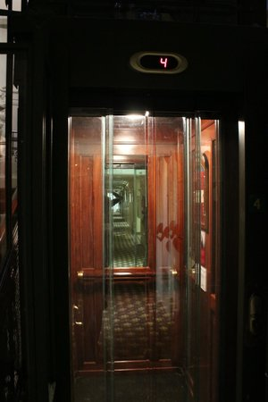 Hotel de Londres y de Inglaterra : The lift