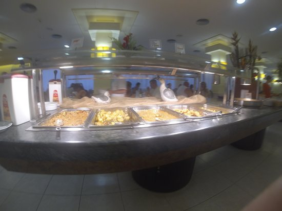 Sumus Hotel Monteplaya: Кухня