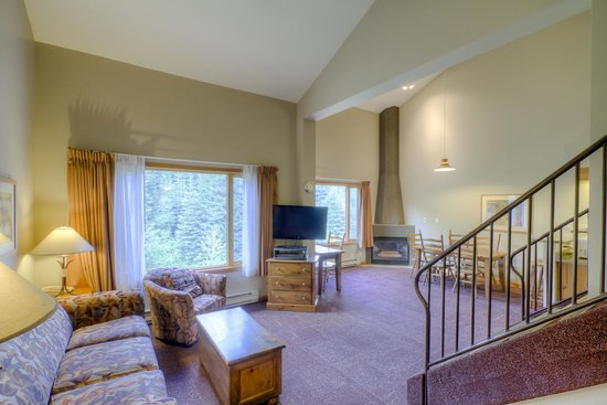 Nancy Greene's Cahilty Hotel & Suites: Two Bedroom Loft